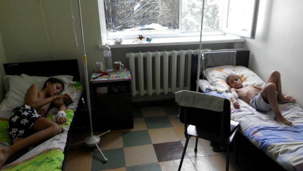 semenihin artyom 7 jahre alt und semenihin dmitriy mukoviszidose. Black Bedroom Furniture Sets. Home Design Ideas