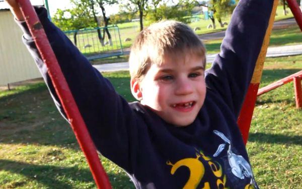 Дитині потрібна родина: Степан