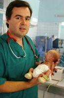REPORTER.ZP.UA: С маленьким весом и правом на жизнь: фоторепортаж из реанимации для новорожденных
