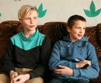 Детям нужна семья: Богдан и Максим