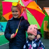 Дітям потрібна родина: Микита (2015 р.н.) і Анастасія (2017 р.н.)