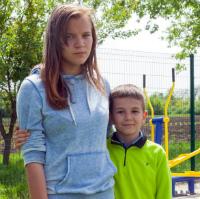 Дітям потрібна родина: Єлизавета К.(2004 р.н.), та Михайло К.(2009 р.н.)