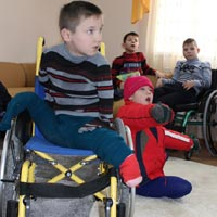 Helping Children Without Limbs to be Happy