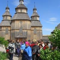 Female Residents of Veselovsky and Lubomirovsky PNI Visit Khortitsa National Reserve