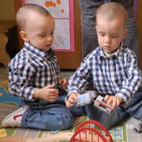 Three year old twins Maxim and Denis remain in the grips of leukemia. The brave little boys hope for your support!