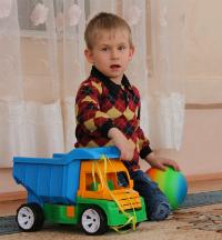 Дитині потрібна родина: Максим С.