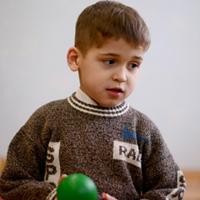 Ребенку нужна семья: Олег М.