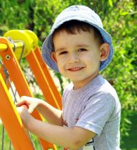 Дитині потрібна родина: Тимур