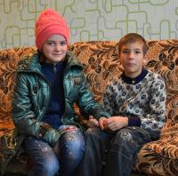 Детям нужна семья: Юлия Б. (16.03.2007) и Владислав Б. (14.04.2008)